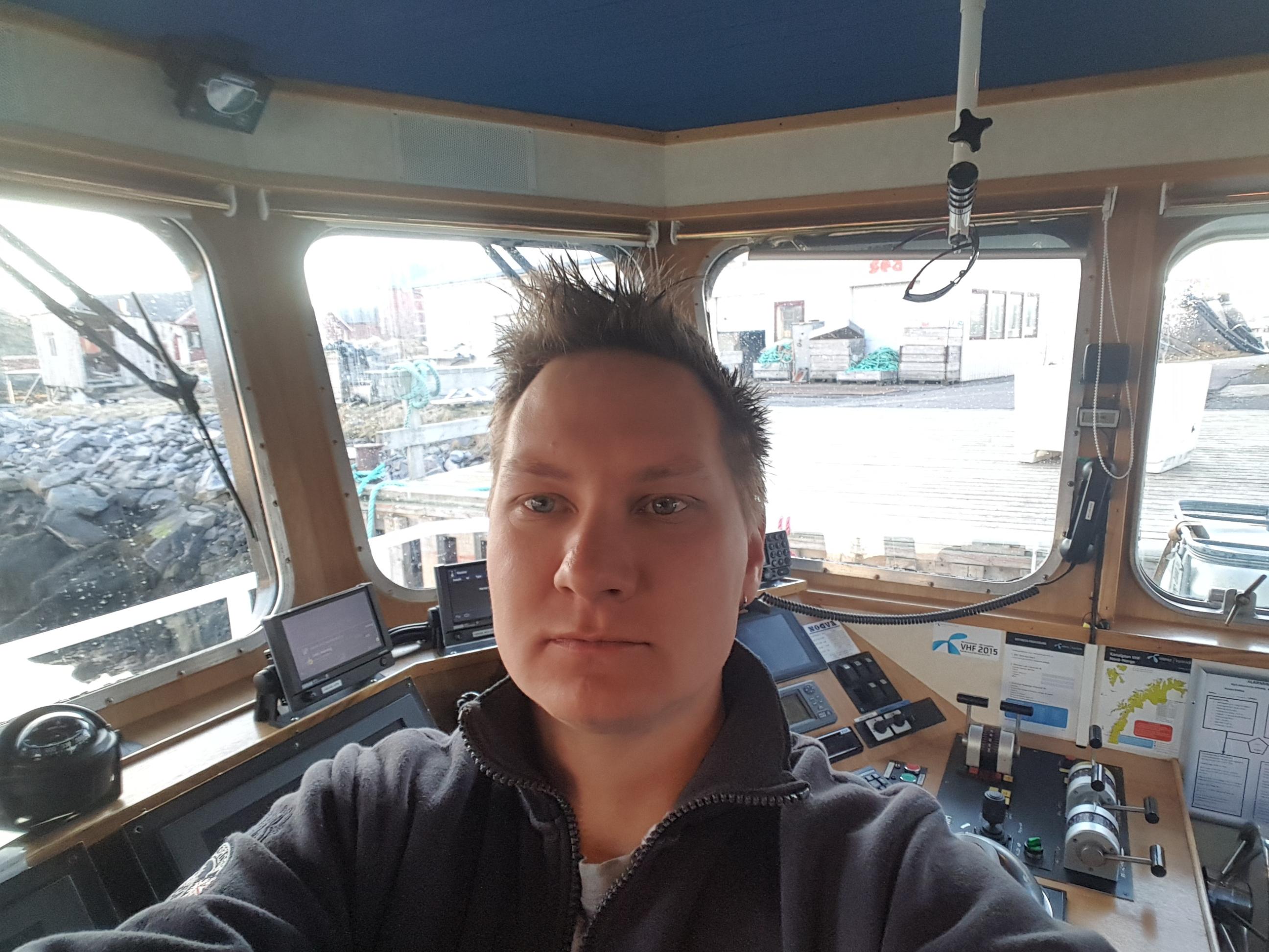 Kristoffer Hansen om bord på båten han jobbar på.